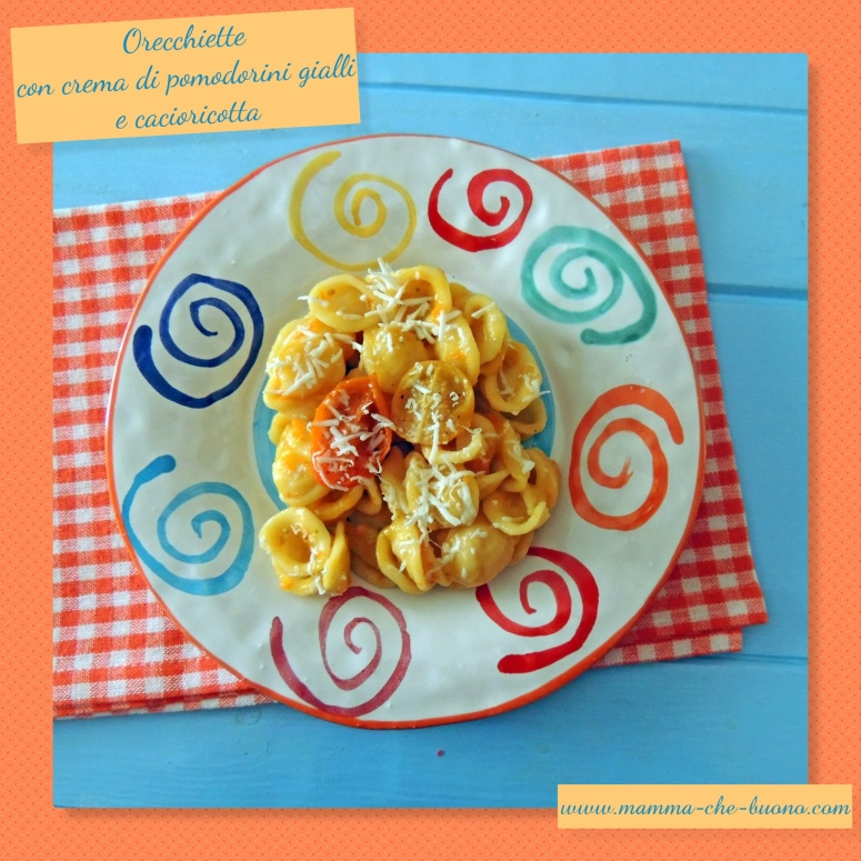 orecchiette con salsa di pomodorini e cacioricotta