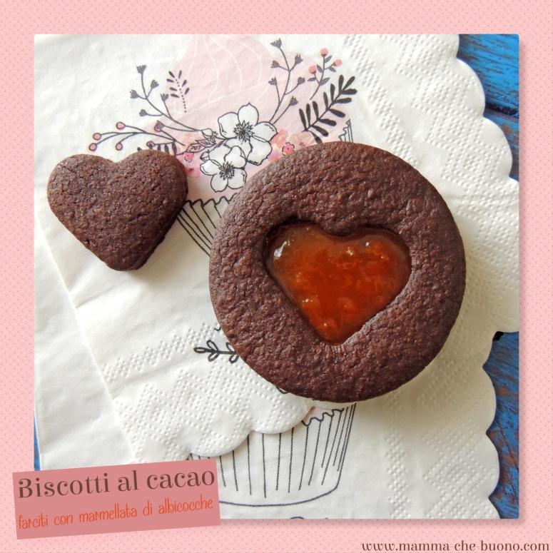biscotti al cacao farciti con marmellata di albicocche
